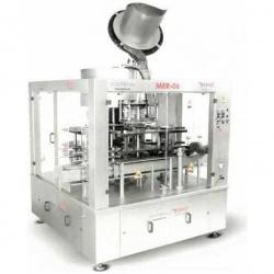 Ротационный укупорочный автомат